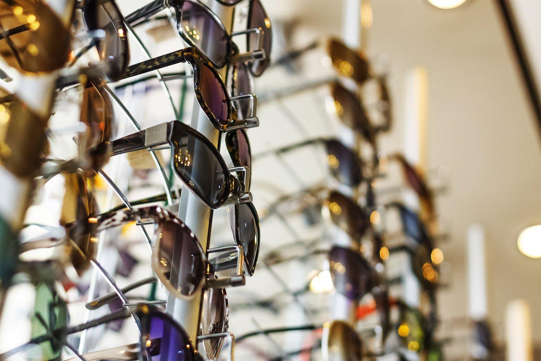 occhiali da sole esposti