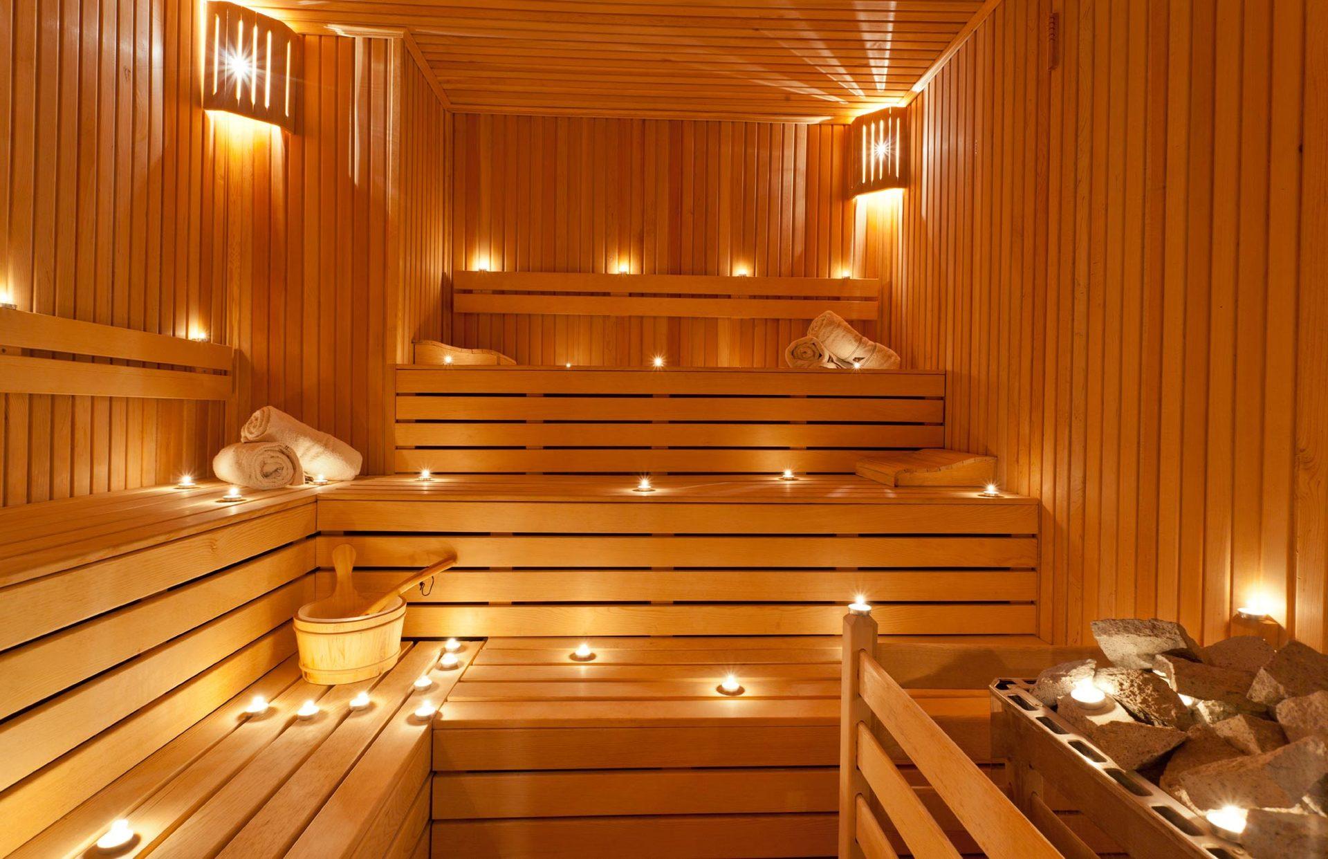 Sauna con candele