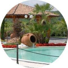 Il giardino e la piscina