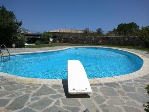 piscina villa a skimmer