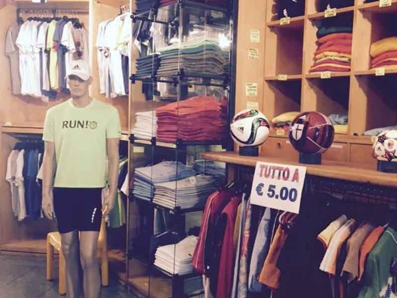 vendita abbigliamento sportivo