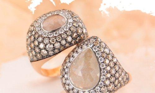 due anelli con zirconi e pietre