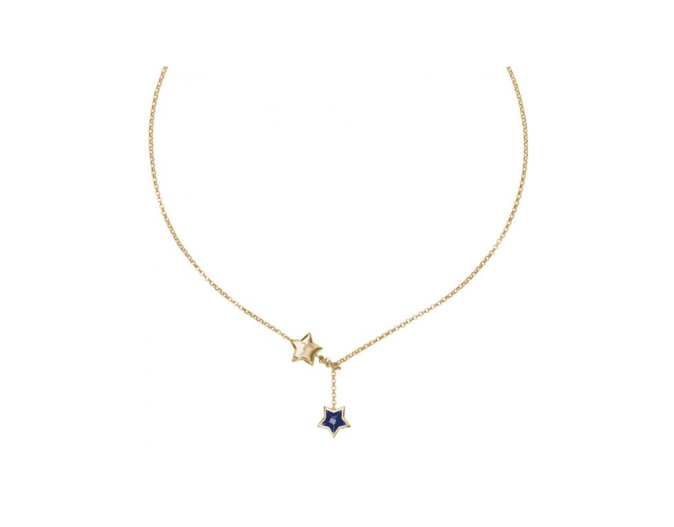 una collana bella d'oro