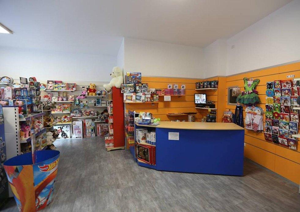 negozio cannobio