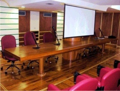 sala convegni in legno