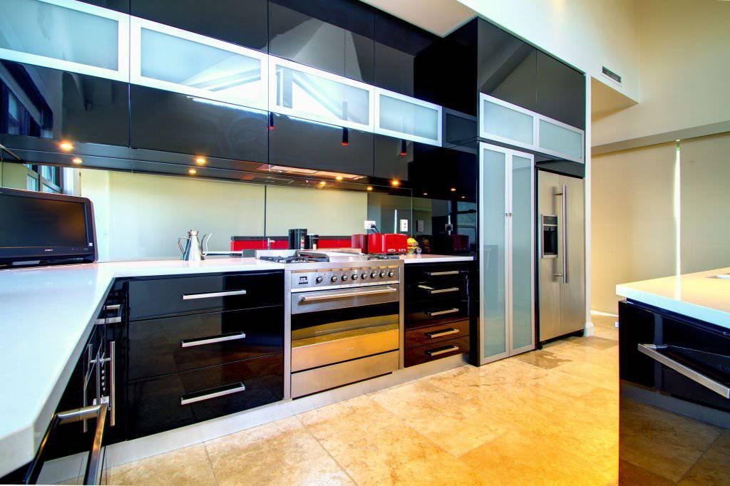 contemporary bright kitchen
