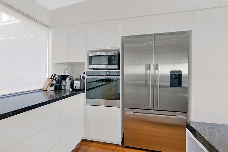 Classic kitchen at 54 Beachview Esplanade