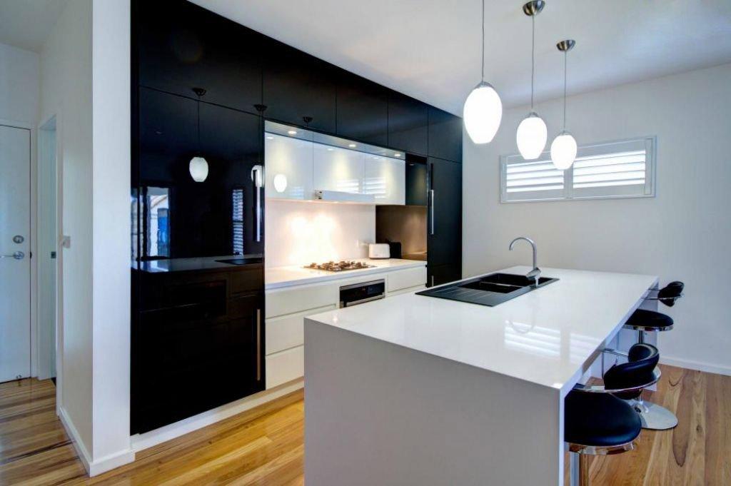beautiful black and white kitchen