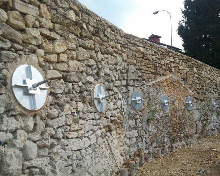 Messa in sicurezza muro in pietra