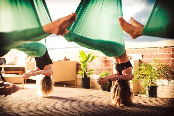 Corso di yoga in volo in Lombardia