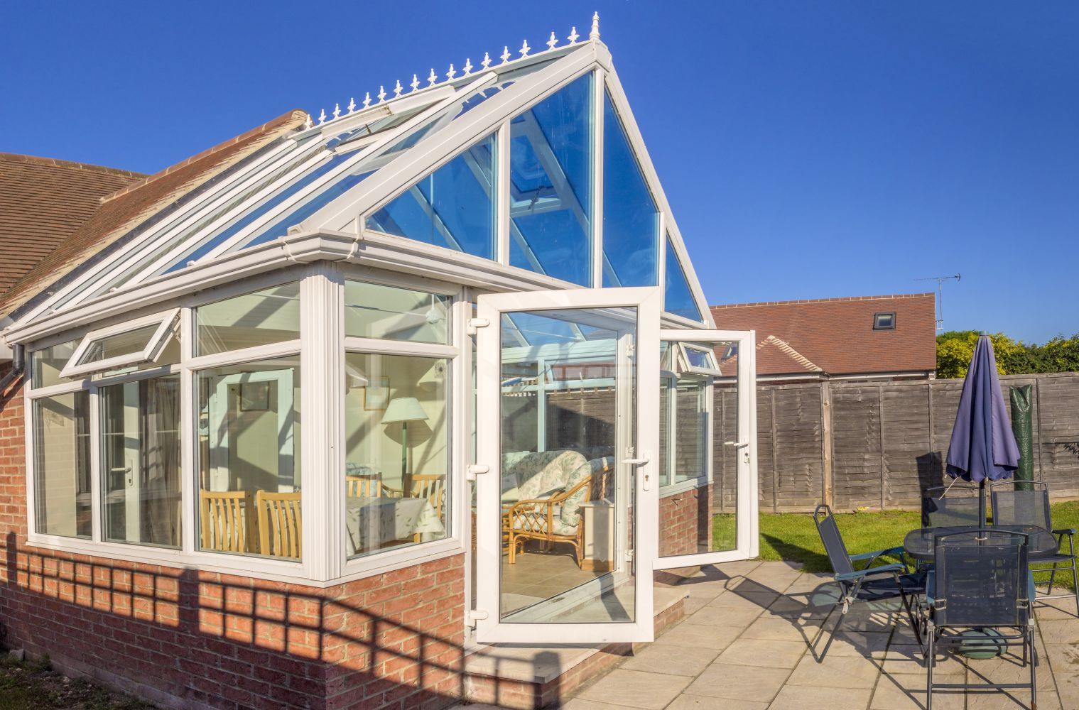 A member of an experienced glass and conservatories team in Grantham