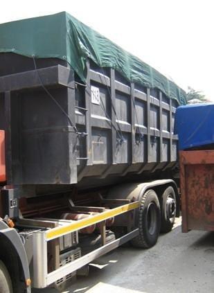 camion per la movimentazione dei rottami