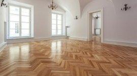 lucidatura pavimenti in legno, verniciatura pavimenti in legno, restauro pavimenti in legno