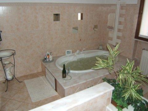 piano bagno in marmo, top cucine, marmista