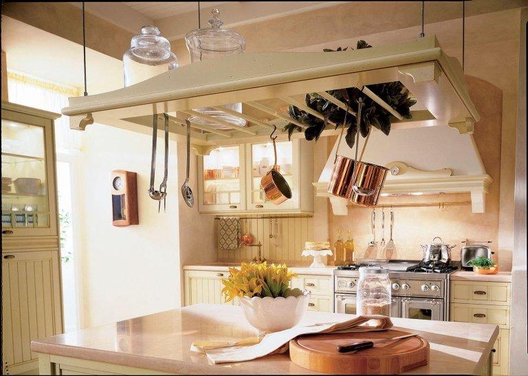 cucina in legno grezzo