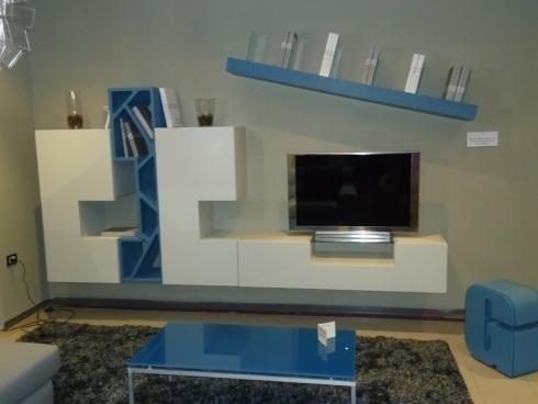 Salotto bianco e blu