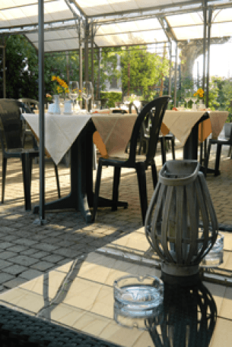 Pranzi e cene valmorea co albergo ristorante michieletto - Ristorante con tavoli all aperto roma ...