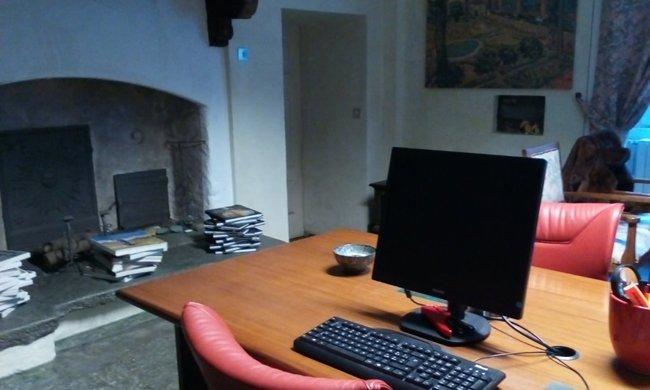 Comupter sul tavolo dello Studio notarile Papa