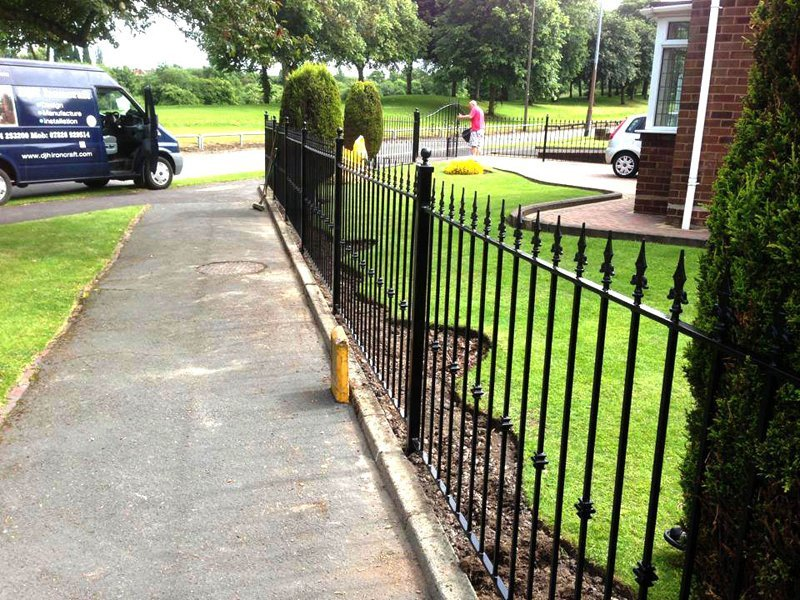 property rod fencing