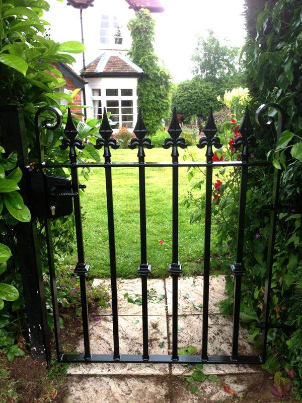rod fence gate