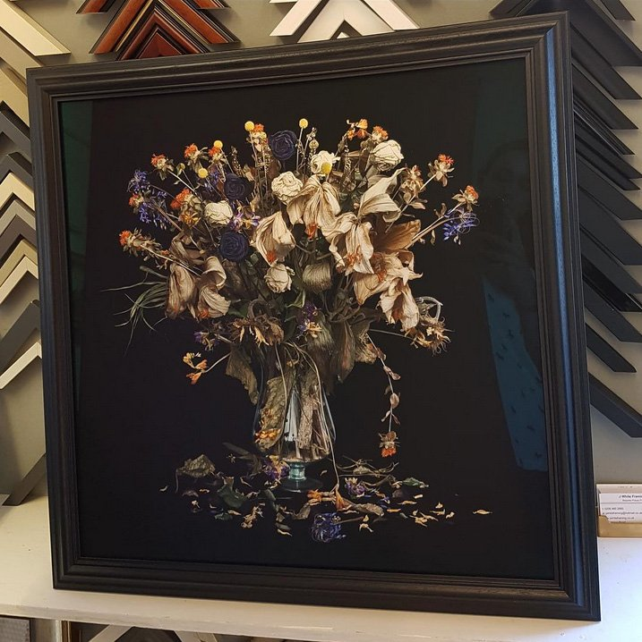 vase with flowers picture