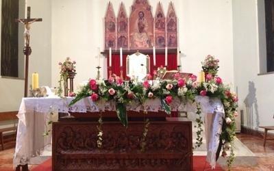 Fiori altari chiese