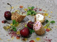 Cannolo con ricotta di pecora e frutta