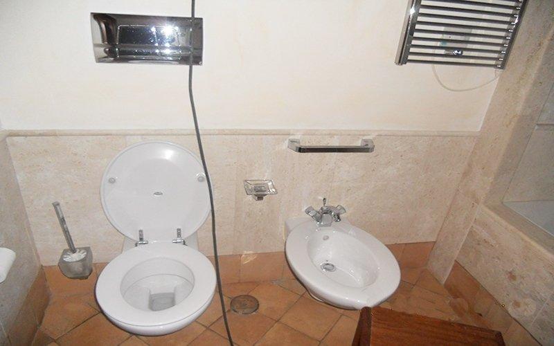 marmi di Sardegna per bagno