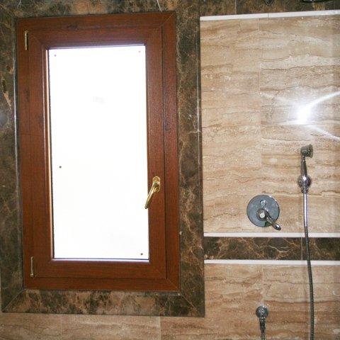 rivestimenti marmo bagni