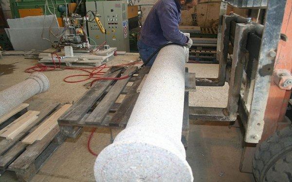 colonne in marmo e granito