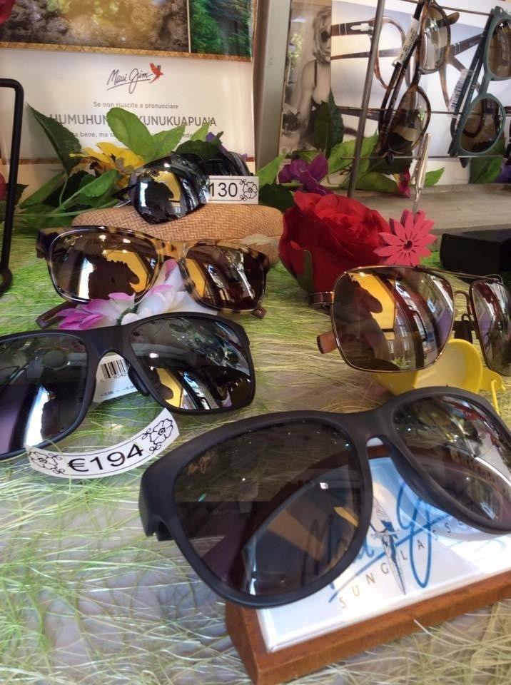 selezione di ochciali da sole