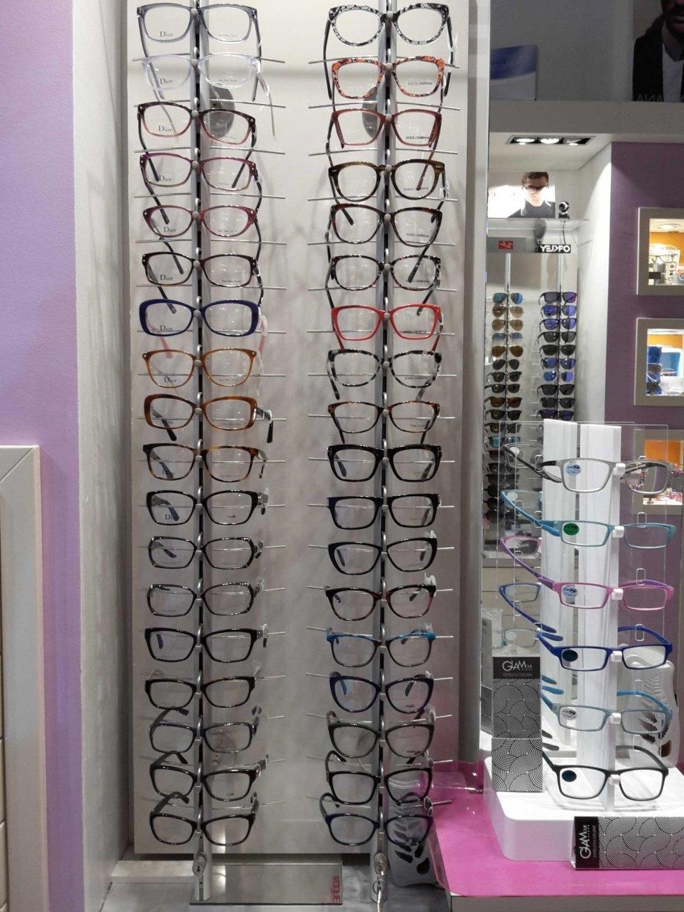 espositore di occhiali da vista