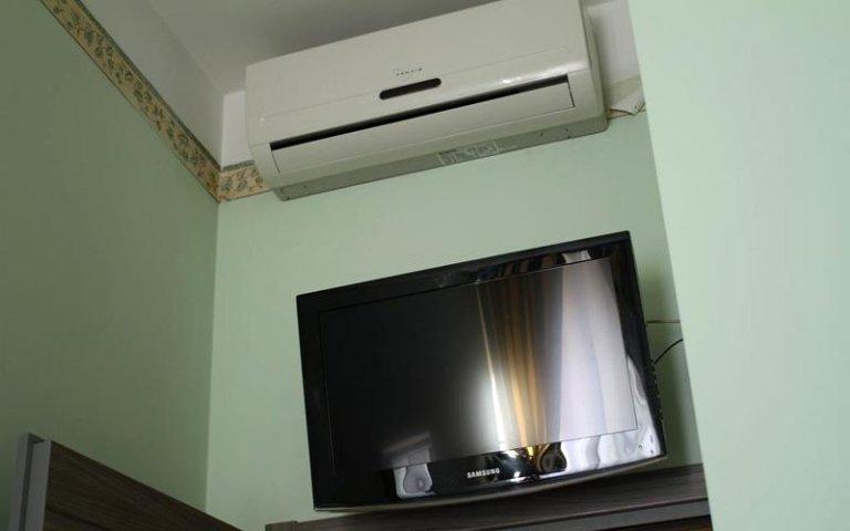 Le camere sono climatizzate e dotate di tv