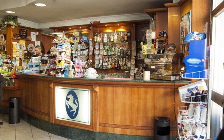 Cavallo Bianco offre anche servizio bar
