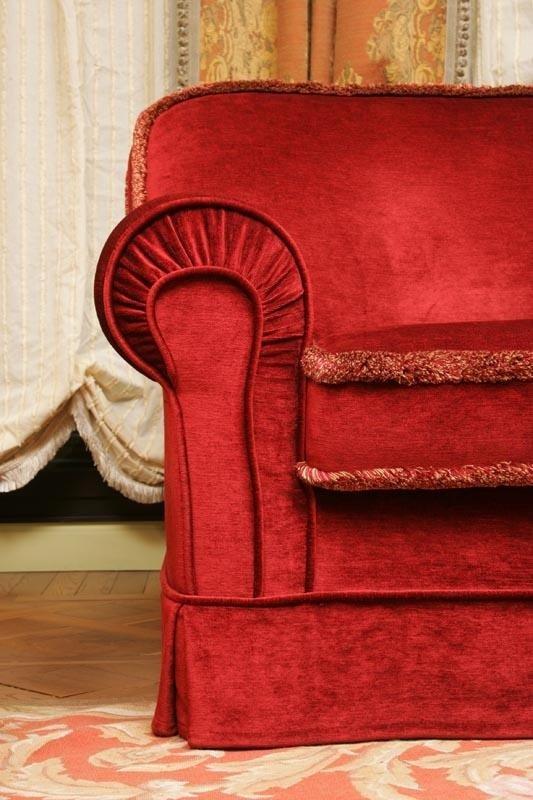 dettaglio divano rosso