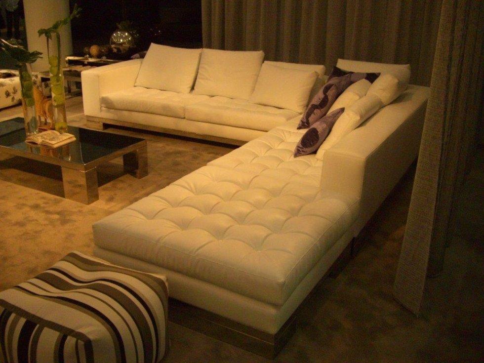 divano chaise longue dal design moderno