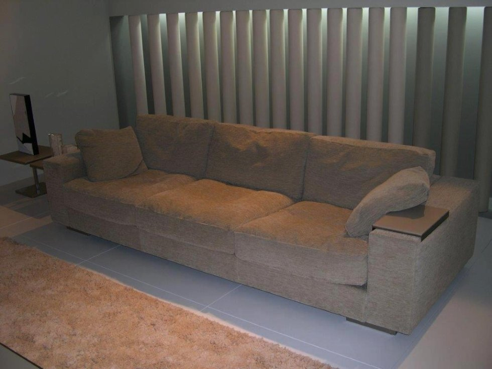 divano velluto grigio