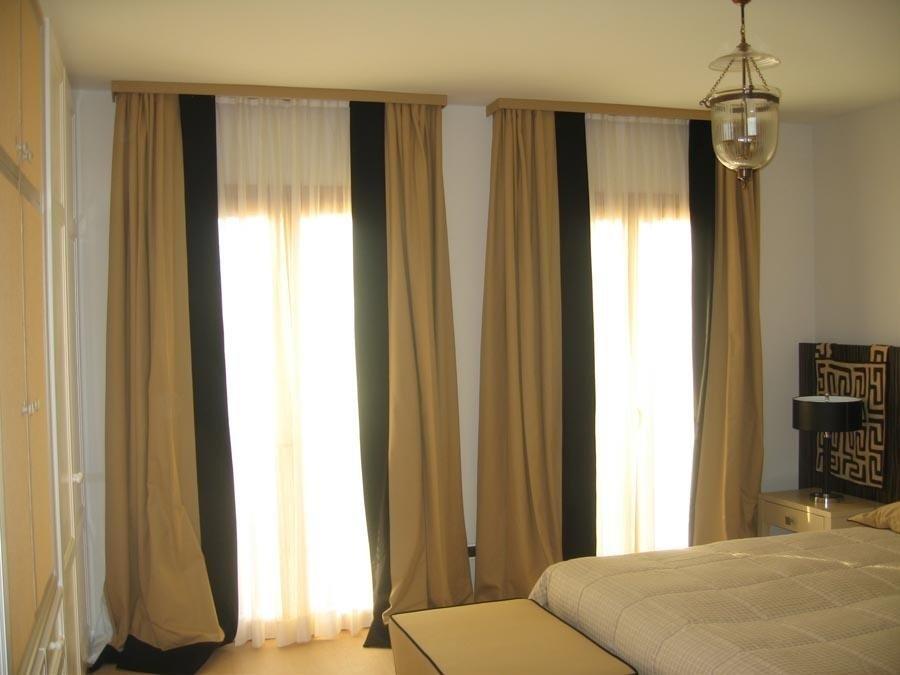 tende in una camera di albergo