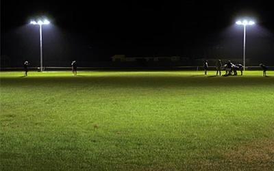 sistema per impianto illuminazione per campo da calcio