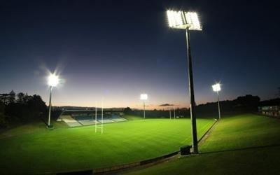 sistema per impianto illuminazione per campo sportivo