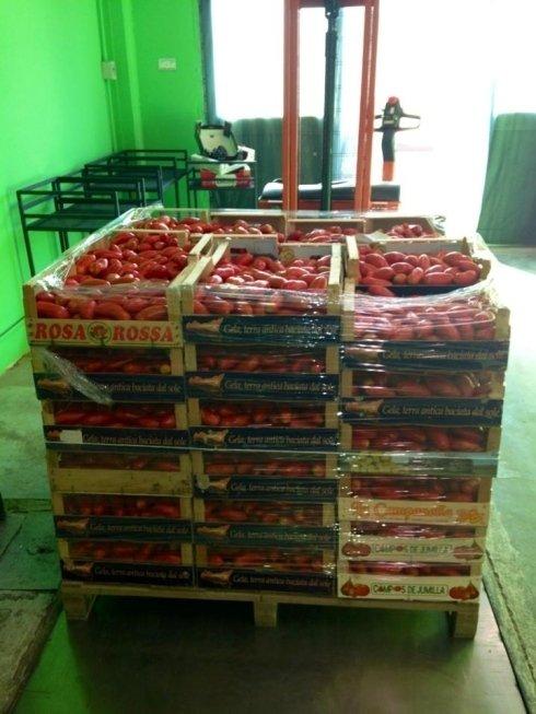 pomodori, casse di pomodori
