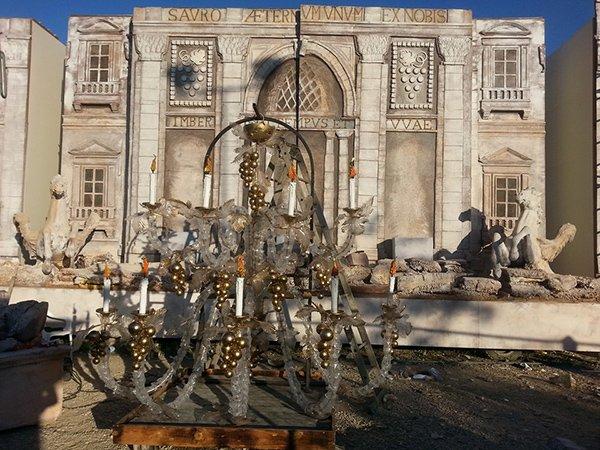 Un lampadario artigianale a Empoli