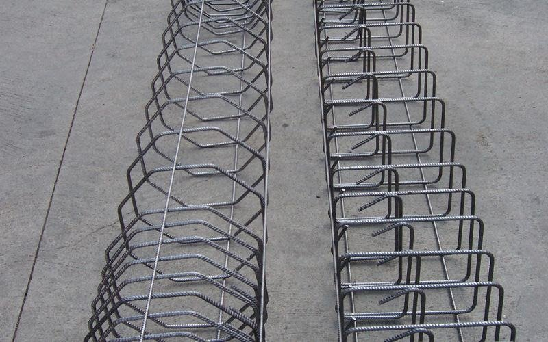 strutture di varie forme in ferro