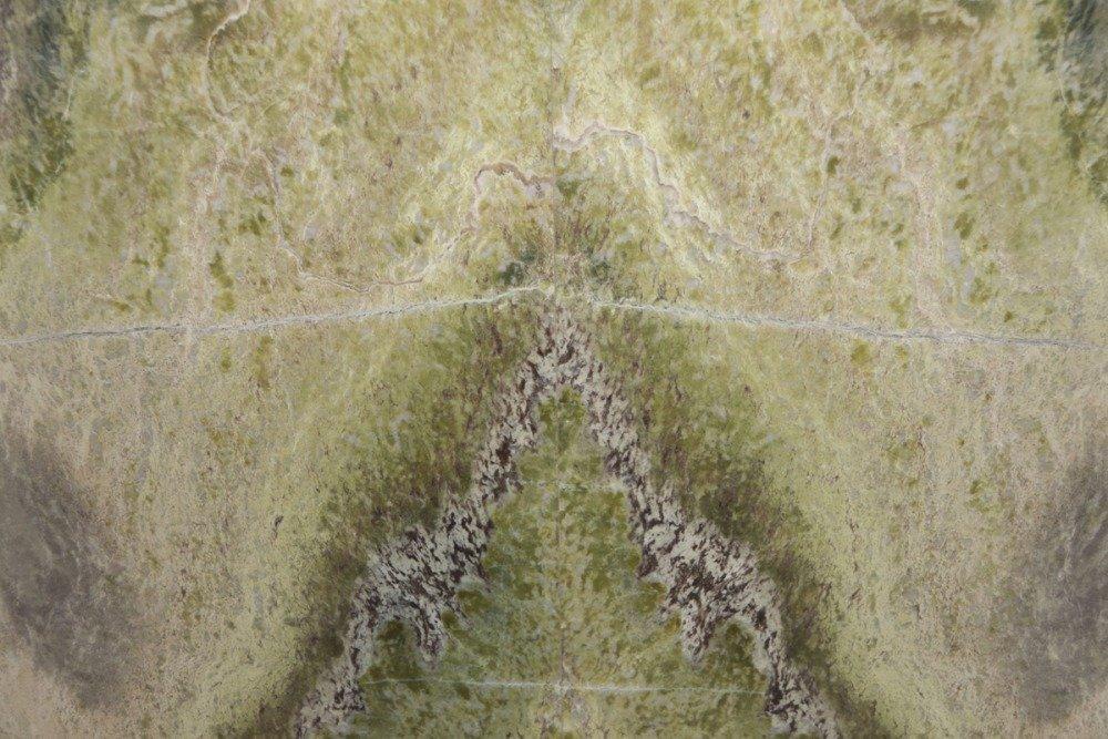 marmo con striature verdi e bianche