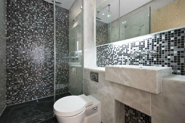 pareti per bagni in marmo