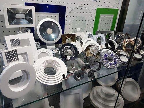 prodotti di negozio materiali elettrici