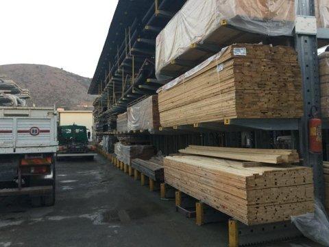 Vendita materiale di falegnameria