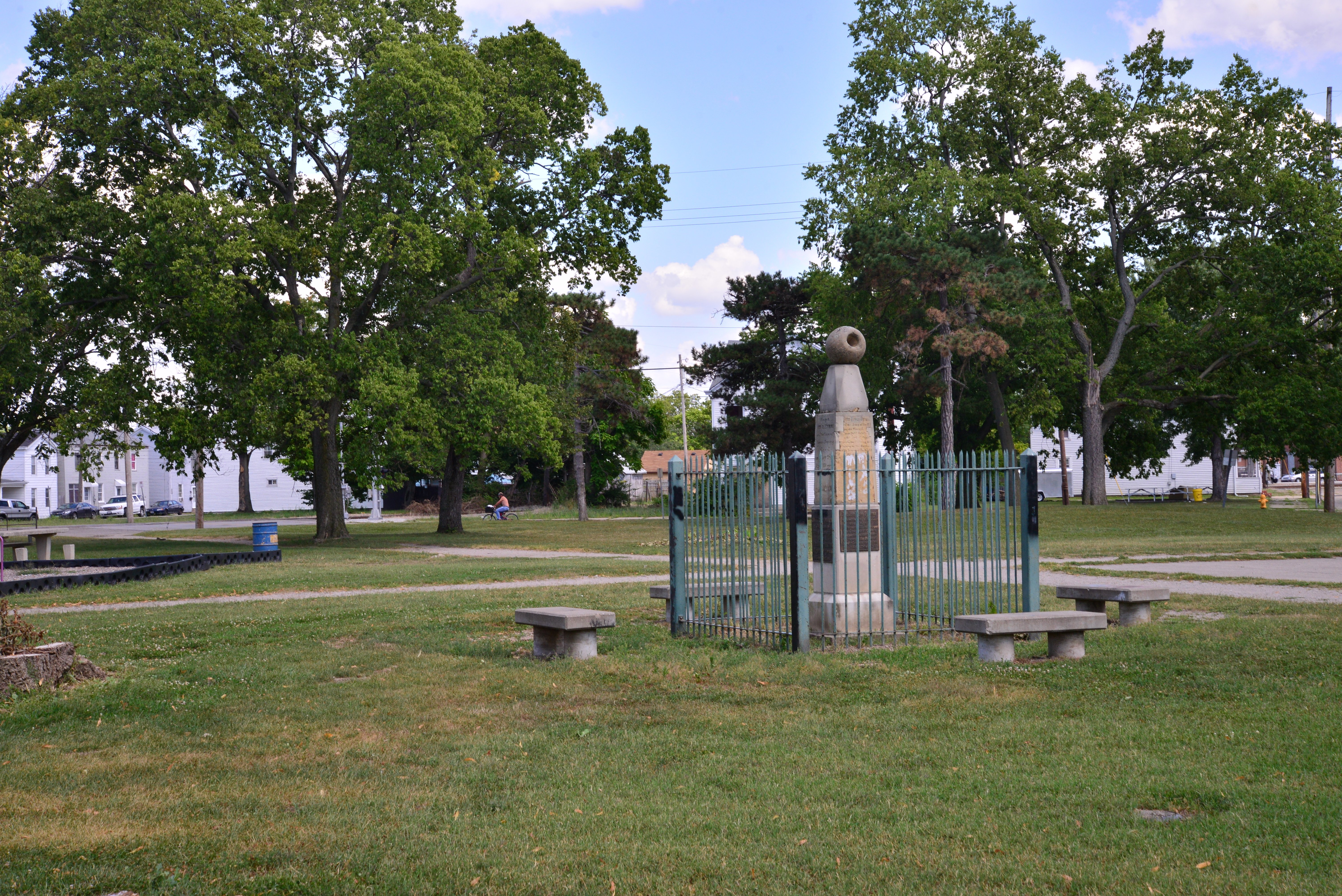 Symmes Monument #29 - Edgar Tafur