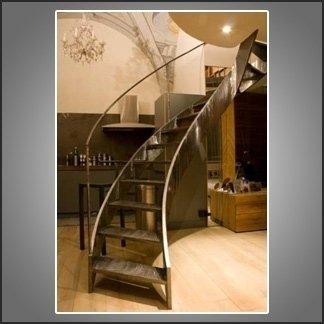 scale in legno liscio