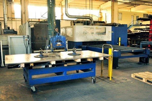 taglio laser piano_Pallet posteriore Laser 3000 Watt